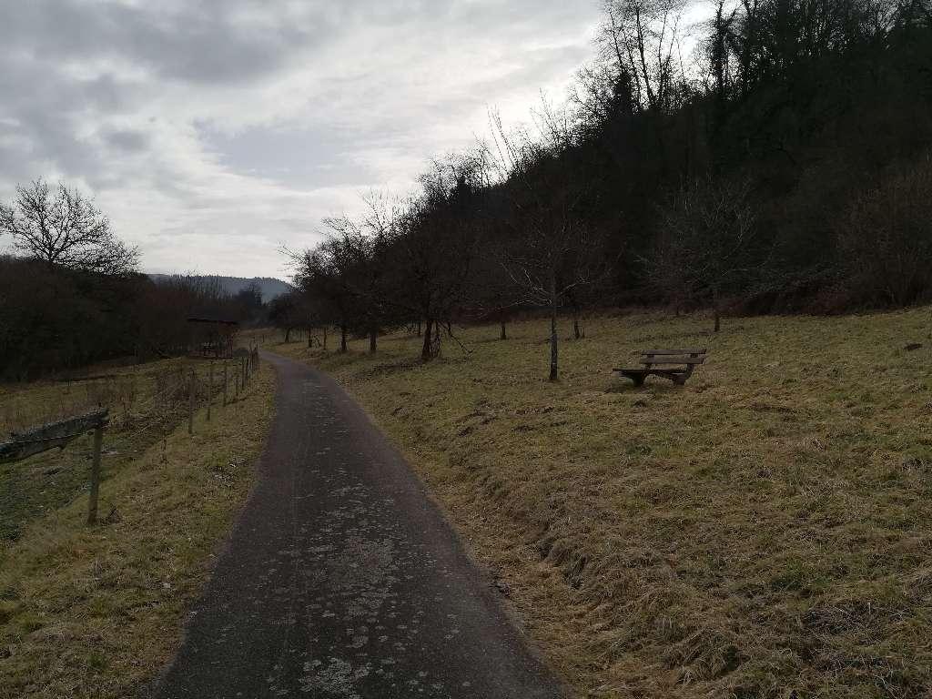Feldweg am Karlstollen